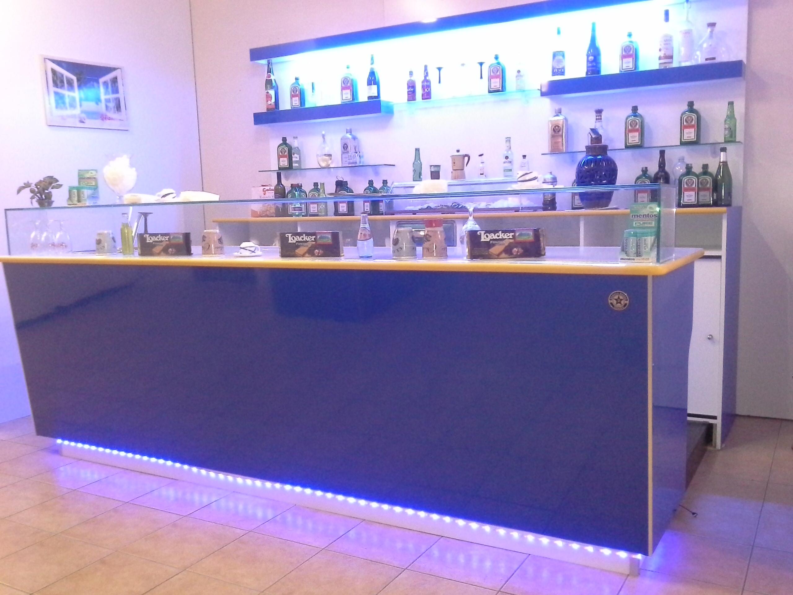 Produttori banchi bar dal 1980 renato russo torino for Bancone bar prezzi